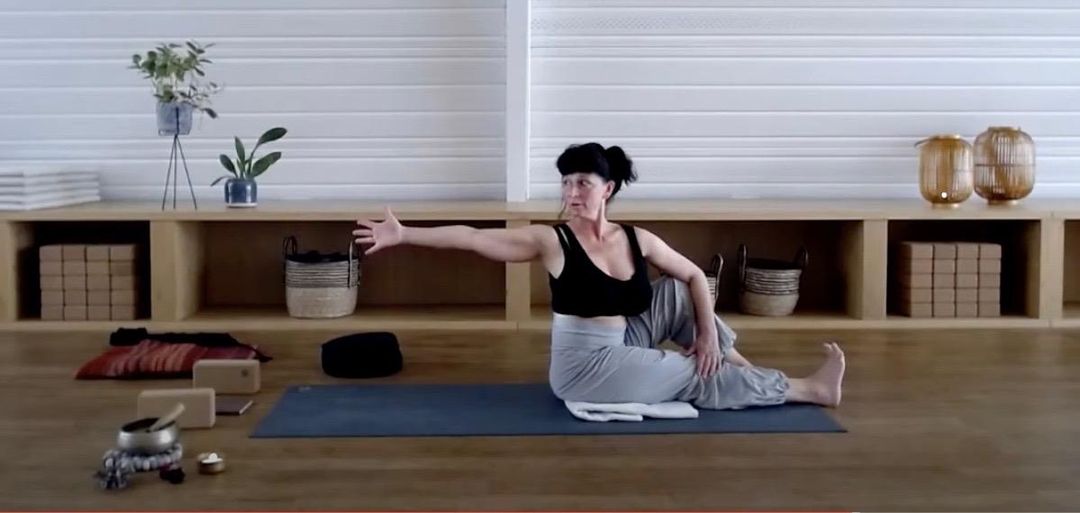 Vinyasa Sitting twist